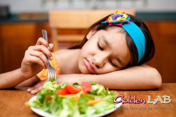 Bé chán ăn có thể là do thiếu kẽm