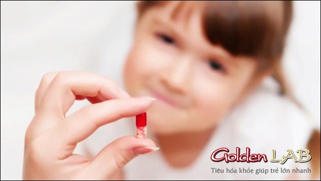 Bé hay ốm vặt có nên uống thuốc tăng đề kháng ?