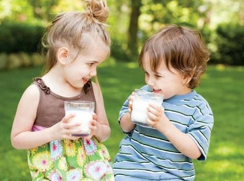 Các loại sữa tăng cân cho bé
