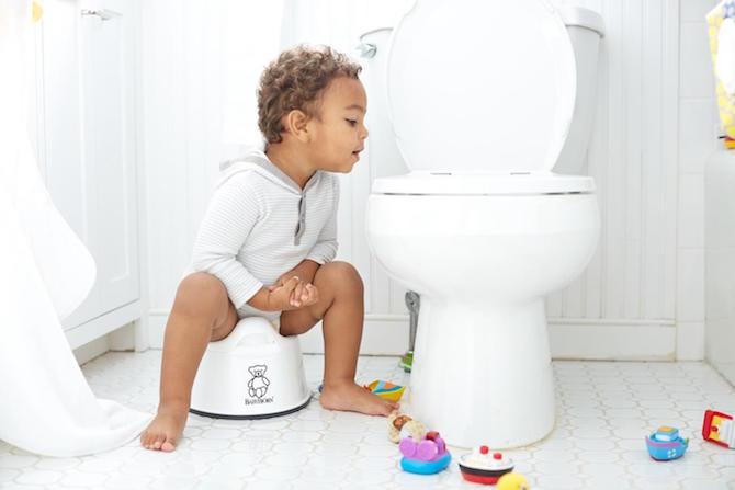 Giải pháp điều trị cho trẻ bị táo bón mẹ nên biết