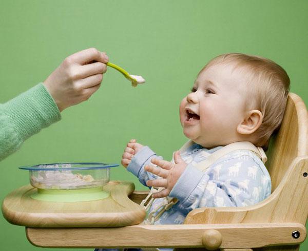 Vì sao lại cần bổ sung men vi sinh cho trẻ biếng ăn?